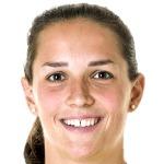 Laura Benkarth headshot