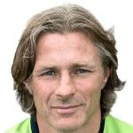 Gareth Ainsworth headshot